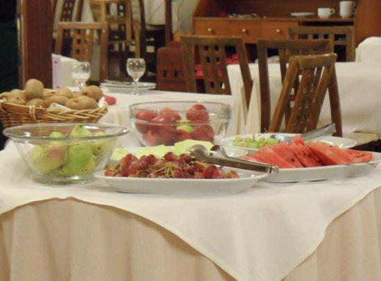 Theartemis Palace Hotel: Het beperkte fruitassortiment