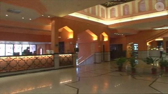 Saray Hotel: Lobby from hell