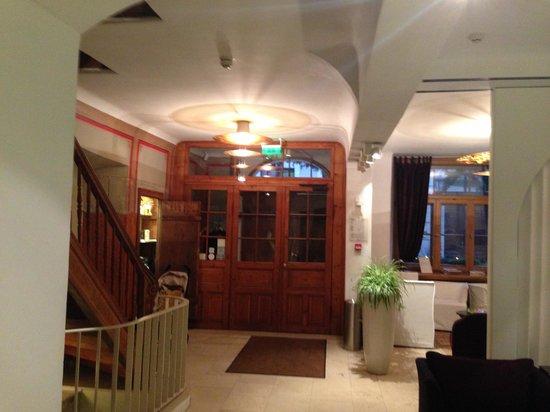 Dome Hotel & SPA - Relais & Chateaux: Холл отеля первый этаж