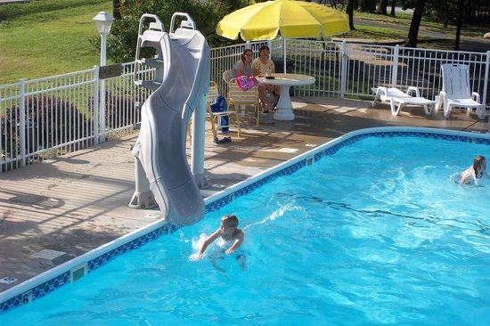 Swimming Pool Slide Picture Of Golden Arrow Resort Branson Tripadvisor