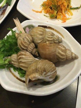 Blue Ocean: Complimentary side - snails