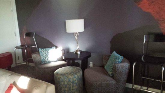 Ontario Grand Inn & Suites: Room