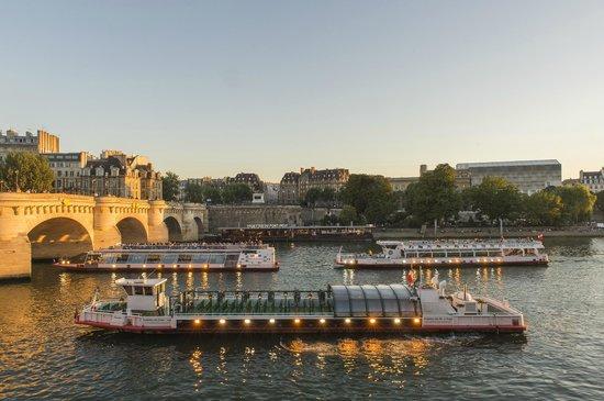 La flotte des Vedettes du Pont Neuf