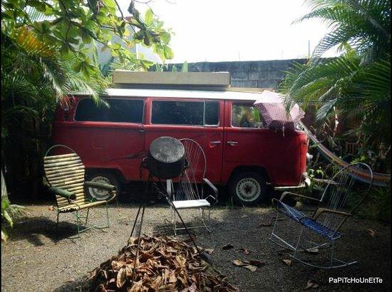 Las Camas Budget Hostel: Jardin