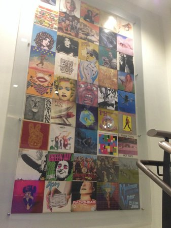 Hotel Zetta San Francisco: art on the way to the play room