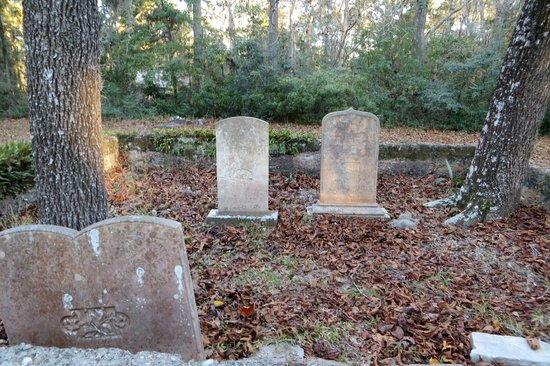 Chapel of Ease: Graveyard