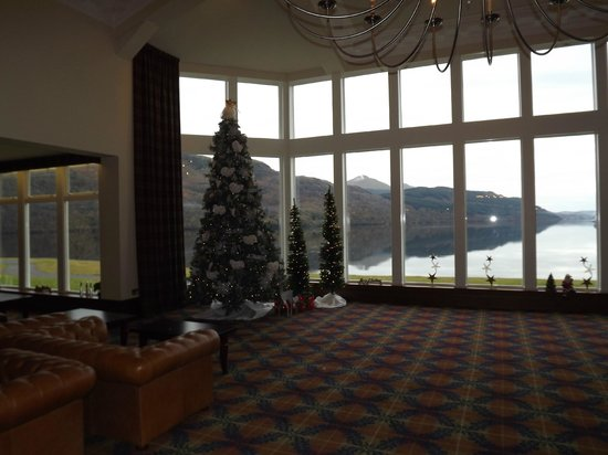 Ardgartan Hotel: Reception Area with views beyond