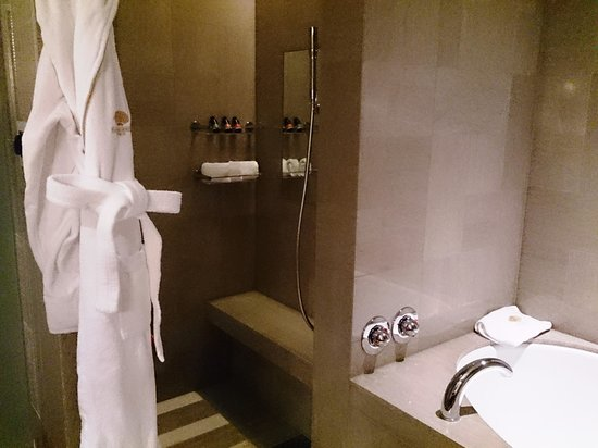 Mandarin Oriental, Tokyo : バスルーム
