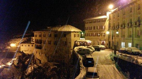 Hotel Bagni Vecchi: Vista Notturna