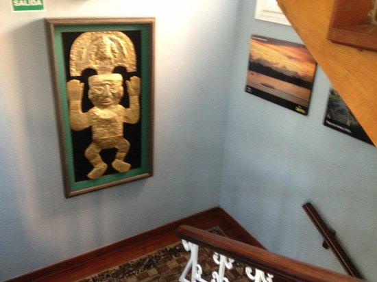 Hostal Torreblanca: Hall Art
