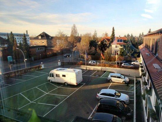 Landhaus Seela: Einfahrt und Parkolatz