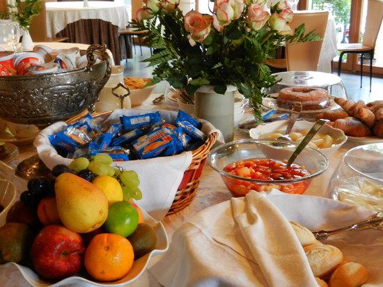 Eurohotel Palace Maniago: Buffet delle colazioni