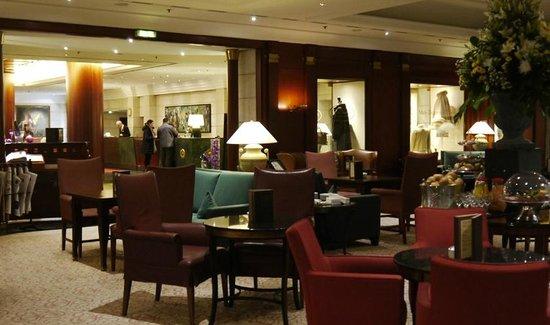 Kempinski Hotel Bristol: The Lobby