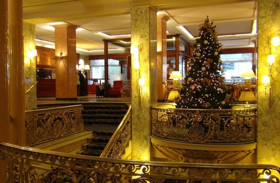 Hotel Avenida Palace: The old-fashion Lobby