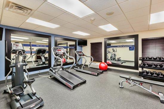 Hampton Inn & Suites Jamestown : Fitness Center