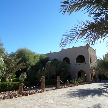 Kasbah Hotel Chergui: Hotel and grounds pic 1