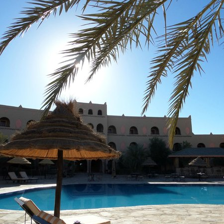 Kasbah Hotel Chergui: Pool area pic 2