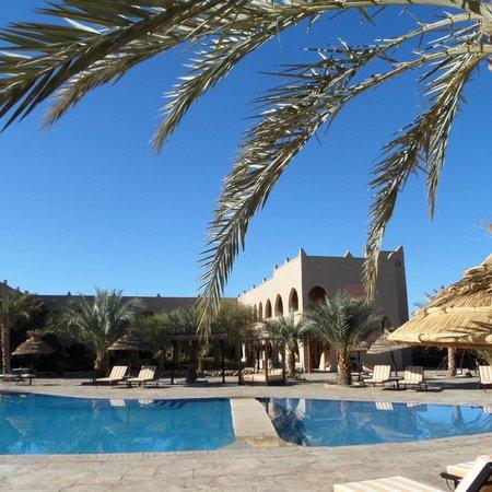 Kasbah Hotel Chergui: Pool area pic 3