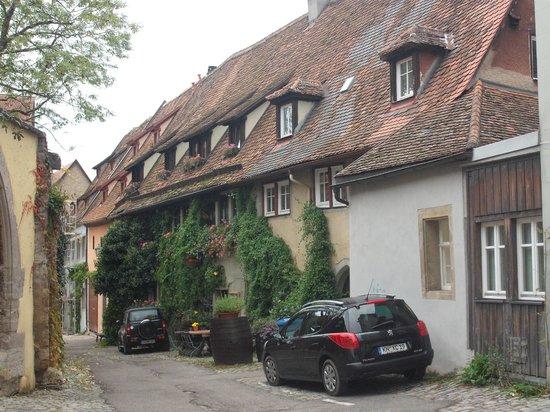 Altfrankische Weinstube: outside view of hotel