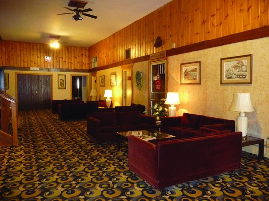 Downtowner Motor Inn: Relaxing common area a favourite with guests