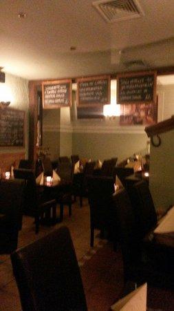 Ristorante Pizzeria Sapori: Una sala del ristorante