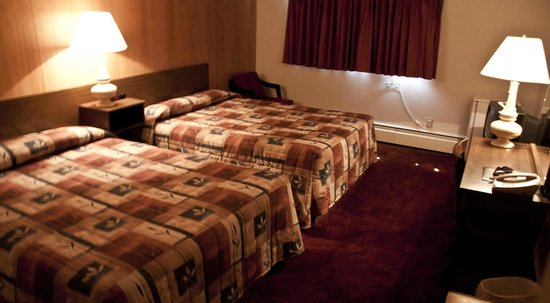 Downtowner Motor Inn: Family sized room