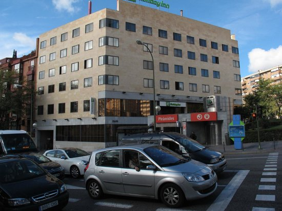 Holiday Inn Madrid-Pirámides: From across the street, note entry to mass transit