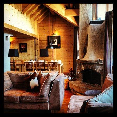 Chalet Dakota Lodge : living room