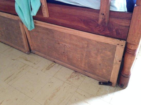 Mombasa Backpackers : Dorm Rooms