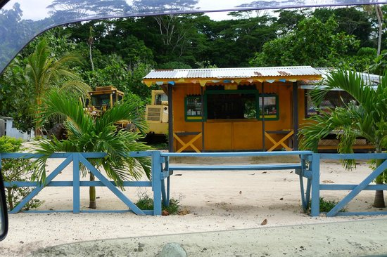 The Savaiian Hotel: just a pretty shack on the way back from a day out in hire car