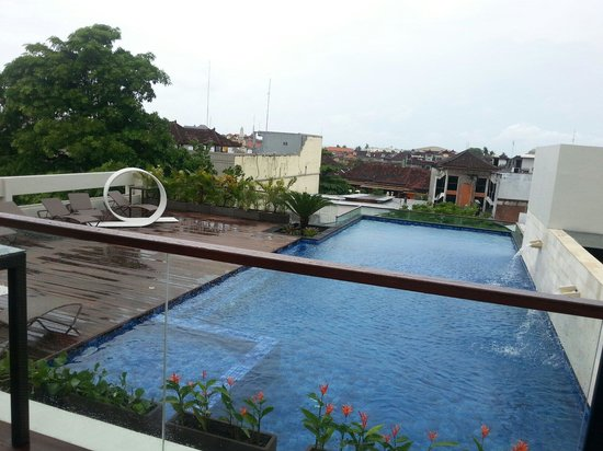 Nice Swimming Pool Picture Of J4 Hotels Legian Legian Tripadvisor