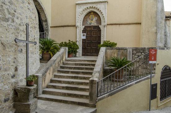 Locanda Persei: Chiesa di San Nicola