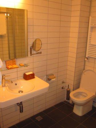 Betsy's Hotel: Badezimmer (mit Dusche) 309