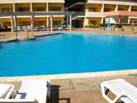 Dunes Hotel & Beach Resort: Piscina zona premium
