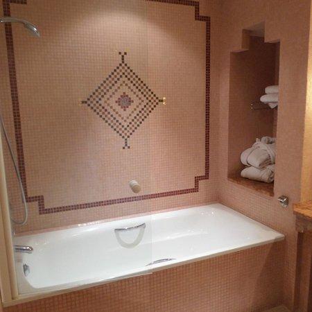 Atlas Medina & Spa : bathroom pic 1