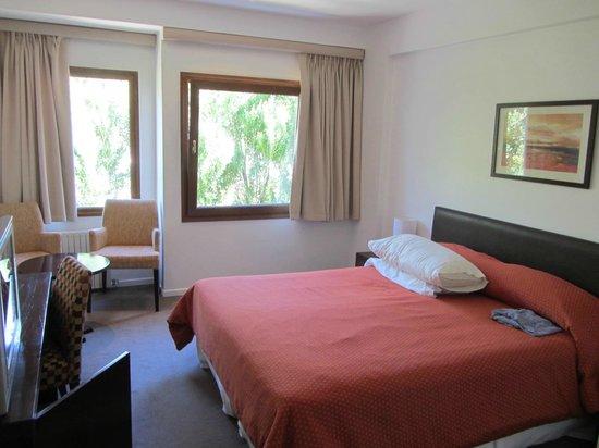 Rochester Hotel Calafate: habitación que da a la ruta (insonorizada)