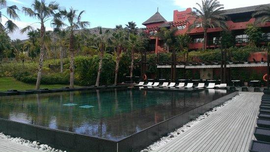 Asia Gardens Hotel & Thai Spa, a Royal Hideaway Hotel : Piscina climatizada 28 Grados