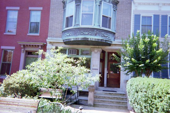 William Penn House : The Home Away From Home to LOVE
