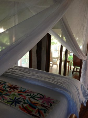 Encantada Tulum: Encantada, Sol luxurious King bed