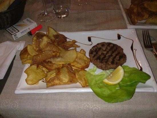 Aversa, อิตาลี: hamburger mmmmmmmmm