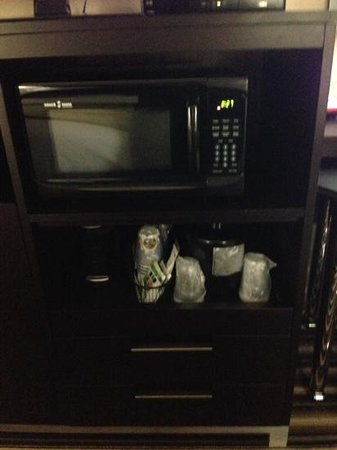 Holiday Inn Express Hotel & Suites Forrest City: Microwave & small coffee pot - Steelers Fan Travels ✨✨