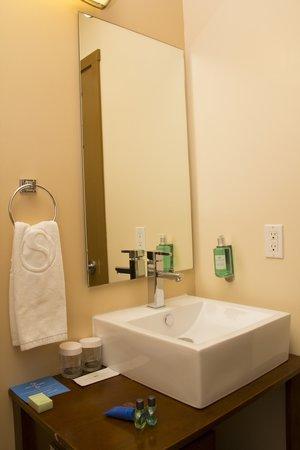 SKKY Hotel: Bathroom