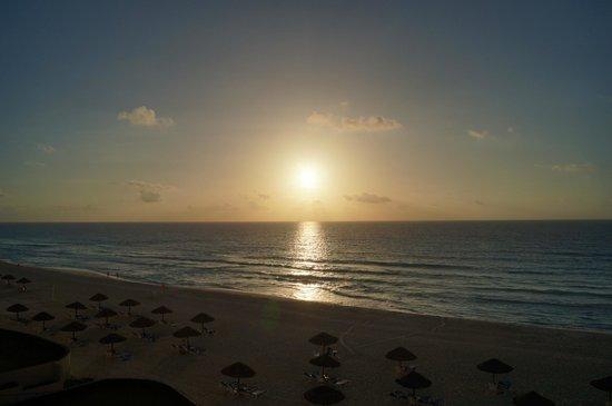 The Royal Caribbean : Amanecer....