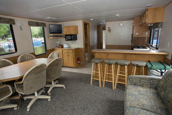 Timber Bay Lodge and Houseboats: 52' Houseboat Interior