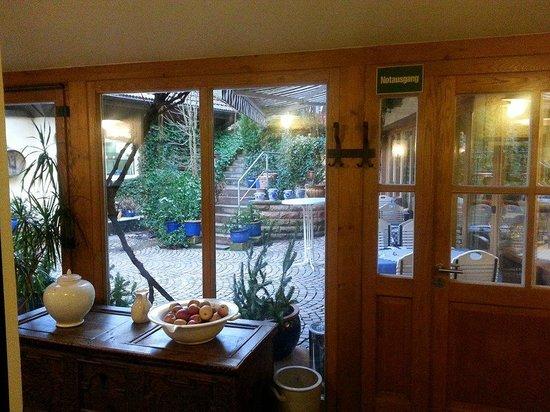 Burgschänke: Outdoor patio off the Breakfast Room