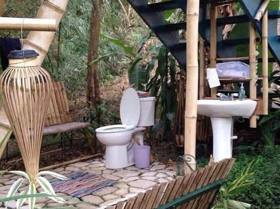 tropical treehouse buddah hooch bathroom