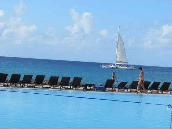 Viva Wyndham Dominicus Palace: Pool