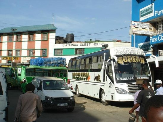 River Road : Buses