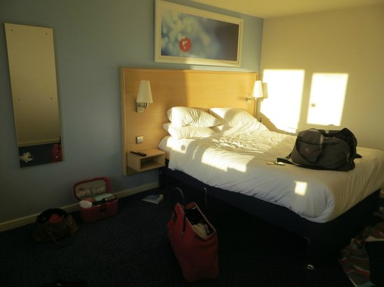 Travelodge Preston Central: room