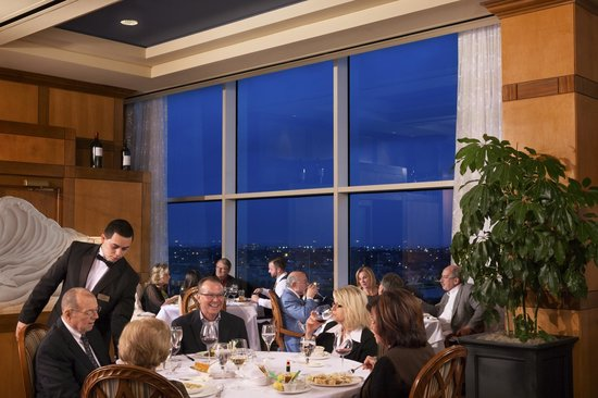 Moody Gardens Hotel Spa & Convention Center: Shearn's Seafood and Prime Steaks